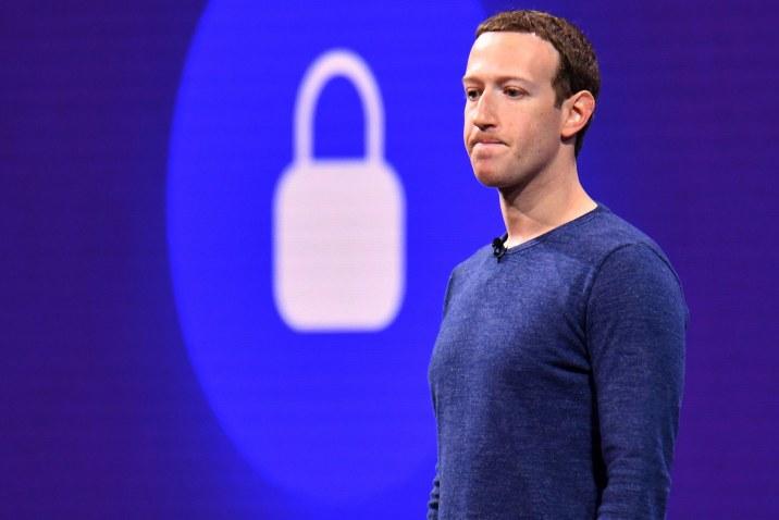 Facebook Çalışanlarının Bilgileri Çalındı