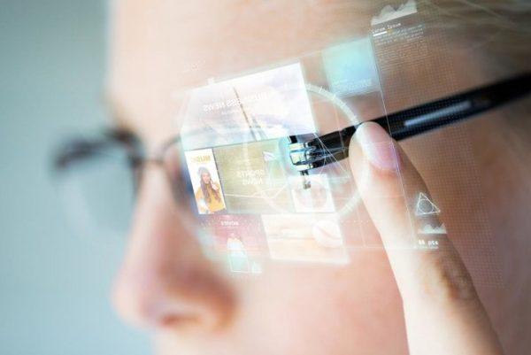 Facebook'un Akıllı Gözlükleri Tüketicilerle 2021 Yılında Buluşacak